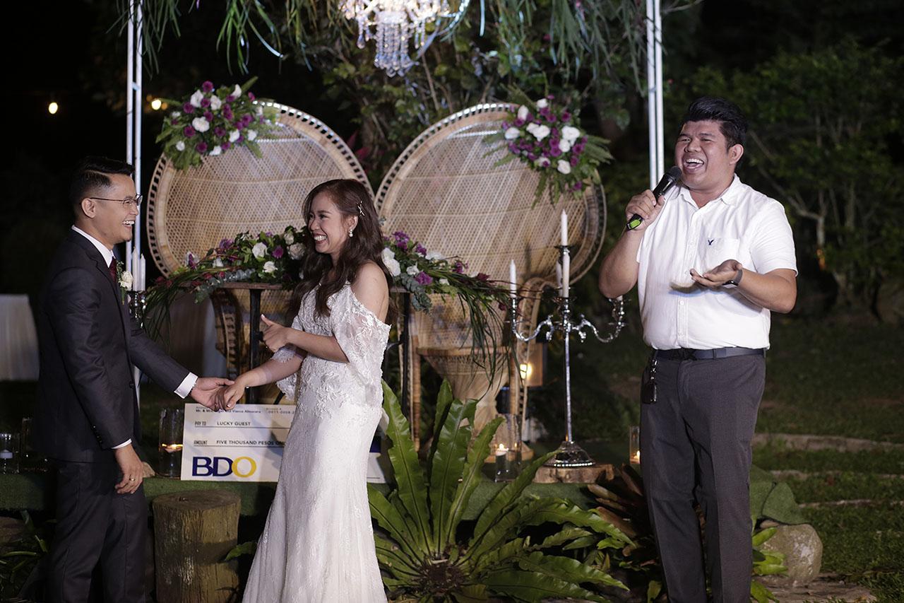 why-hire-a-good-wedding-host-01